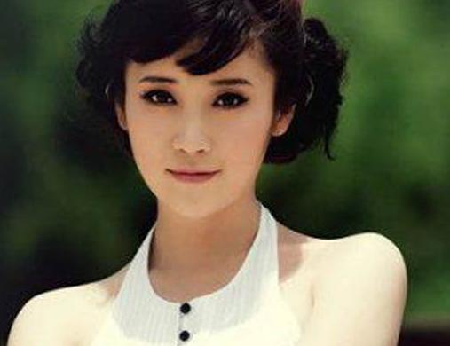 雷军老婆张彤照片曝光 是一位大美女啊