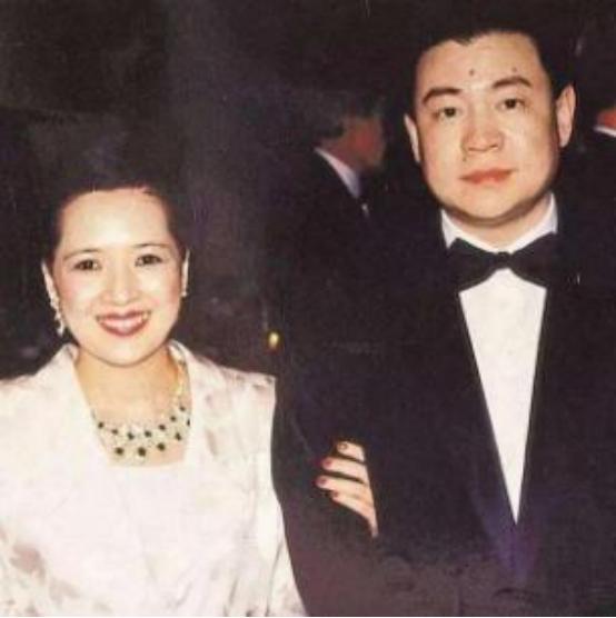 香港富豪刘銮雄与三位女明星的恩爱情史