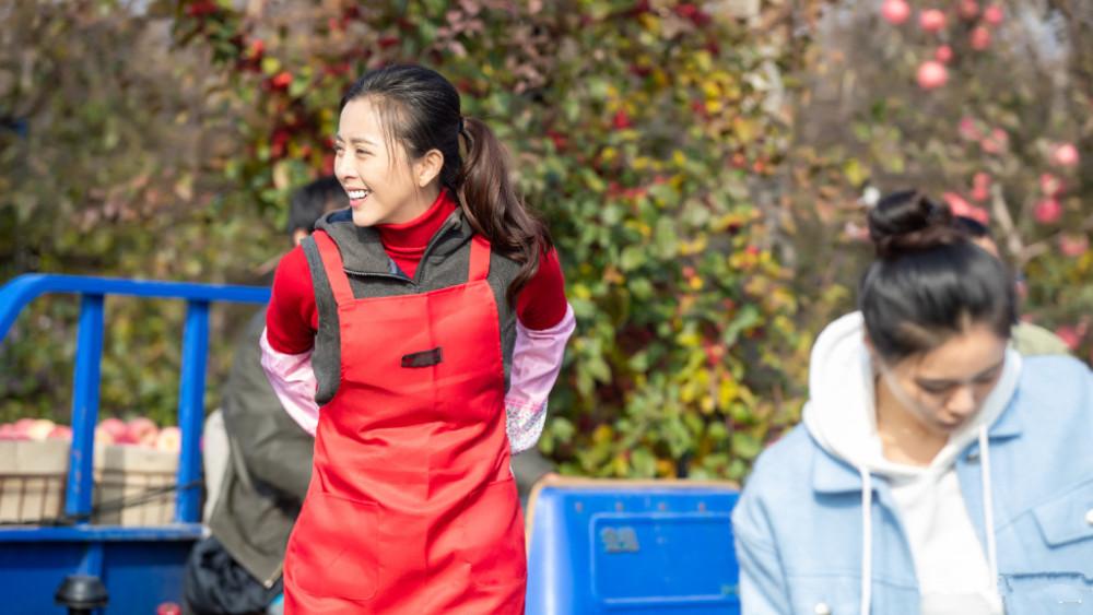 《好雨知时节》首播 黄小蕾爆笑主演